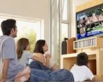 es un buen plan de Viernes ver la tele en familia.