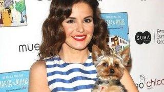 Marta Torné posa con Rufus, su perro.