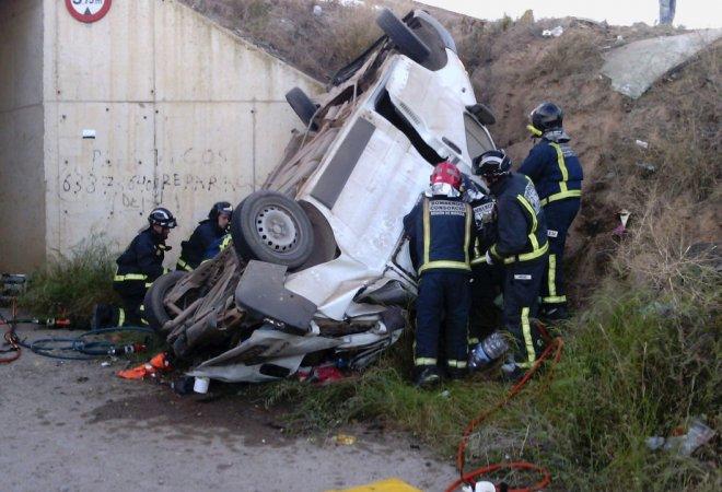 La furgoneta destrozada