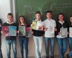 Alumnos de 2º ESO recordando a Cervantes.