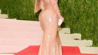 Beyoncé durante la alfombra roja.