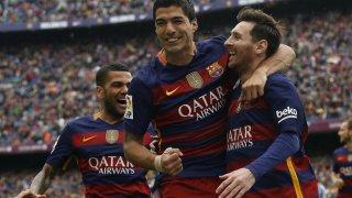 Suarez y Messi celebrando uno de los cinco goles contra el Espanyol
