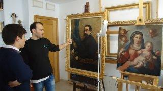 Ricardo Kantowitz explicando la restauración de un Sorolla. Manuel Lozano