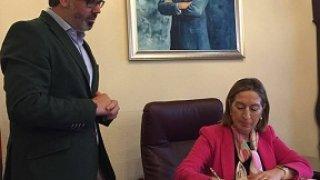 Ana Pastor, Ministra de Fomento, con Fernando Pizarro, Alcalde de Plasencia.
