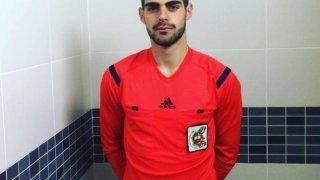 El árbitro Jesús Tomillero que fue insultado por su condición sexual.