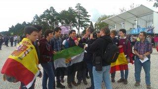 Algunos de los alumnos en la explanada de Fátima. David Ll.