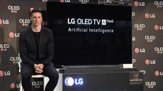Fernando Torres , en el acto en el que ha anunciado su ida del Atlético del Madrid