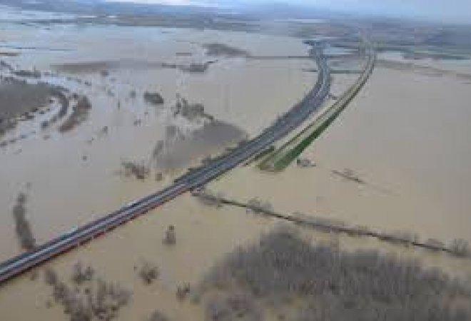 El desbordamiento del Ebro inunda el casco viejo de Tudela.