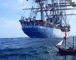 Barco de Playmobil navegando