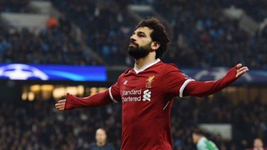 Le roban al delantero del Liverpool Mohamed Salah
