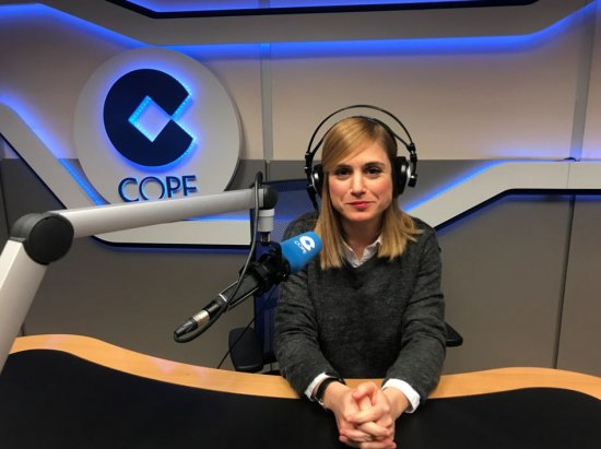 'La figura del comunicador es fundamental en la radio española'