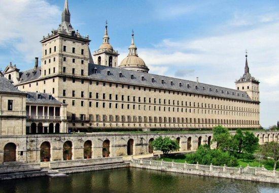 Los alumnos del I.E.S Francisco Vera de Alconchel viajan de excursión a Madrid