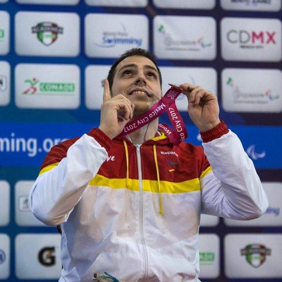 'Existe el mundo paralímpico y es igual de exigente que el olímpico'