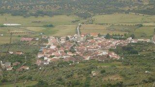 Casas de Millán.