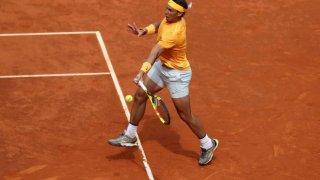 Rafael Nadal ejecuta un 'drive' en su partido frente a Gael Monfils.